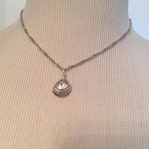 Jewelry - ⭐️NECKLACE STERLING SILVER 925 CHAIN SHELL PENDANT